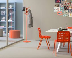 miza-arki-table_pedrali_showroom_1
