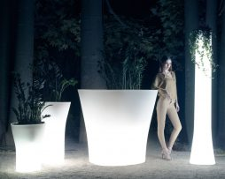 vaza_bones_vondom_showroom