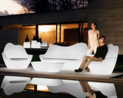 stoli_sabinas_vondom_showroom