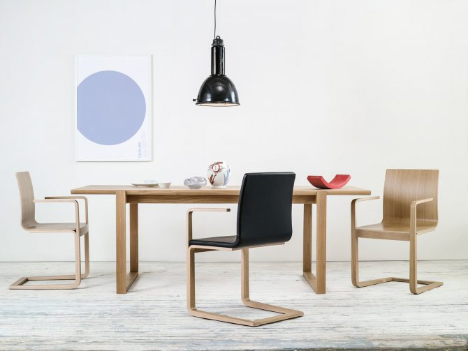 stol-mojo_thonet-design_showroom_1