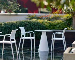 plasticni stoli_vrtni stoli_pedrali stoli