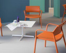 lounge stoli_plasticni stoli