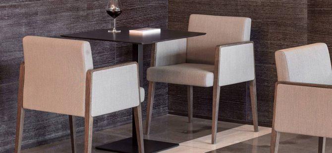 leseni stoli_oblazinjeni stoli_pedrali stoli