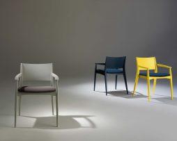 leseni stoli_oblazinjeni stoli_moderni stoli