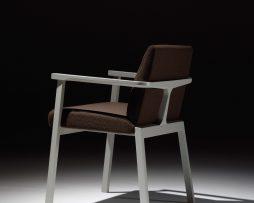 leseni stoli_oblazinjeni stoli