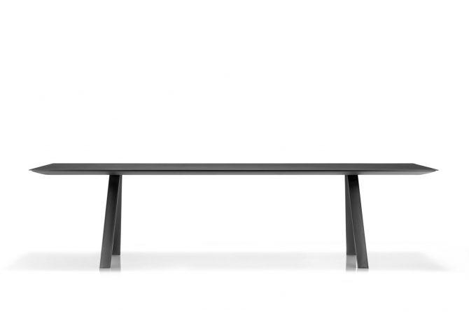miza_arki table_pedrali_showroom_01