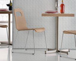 leseni stoli_kovinski stoli_jedilni stoli