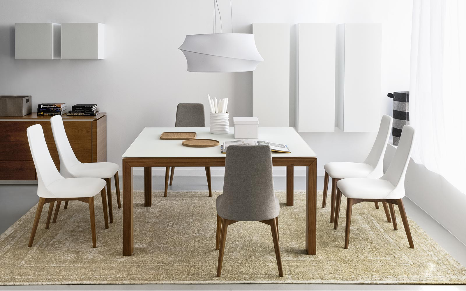 Kuhinjski stoli etoile showroom for Sedie da soggiorno calligaris