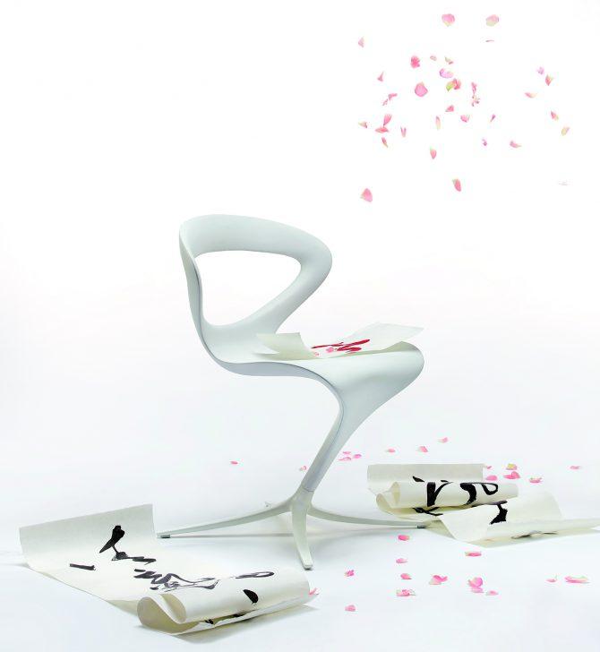 stol_stoli_minimalistični stoli_moderni stoli_jedilni stoli_gostinski stoli_hotelski stoli_plastični stoli