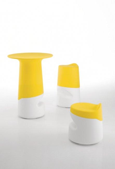 miza_broncio-table_infiniti_showroom_1