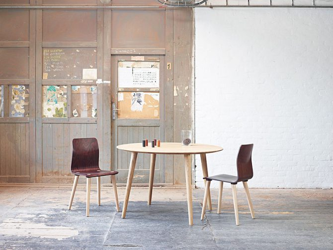 Miza Malmo_Thonet design_Showroom