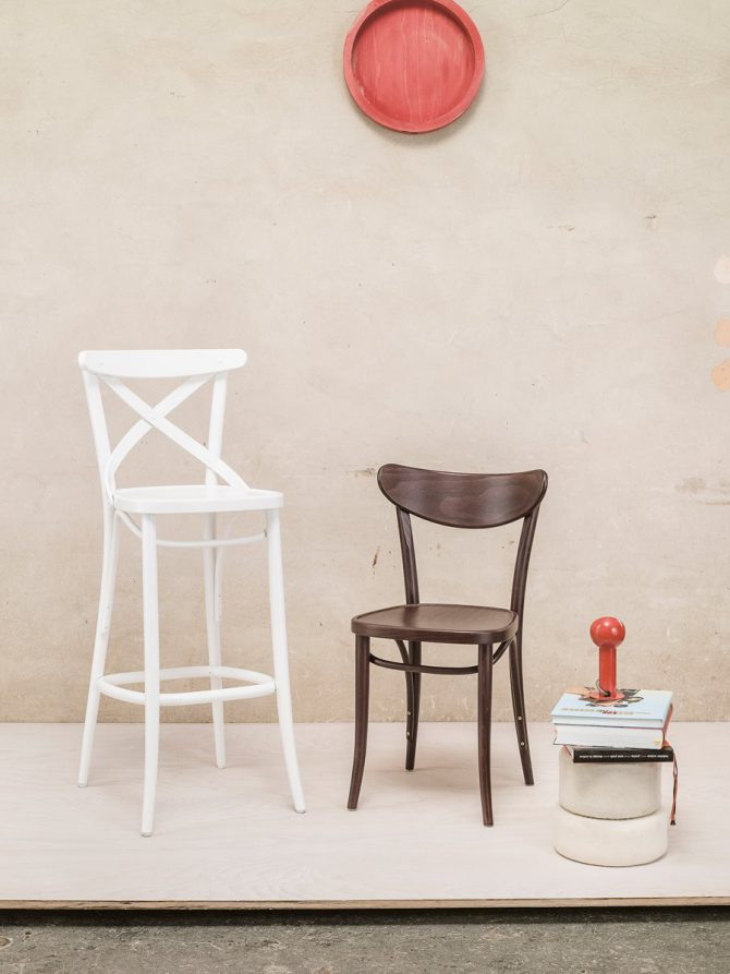 barski-stol-banana-131_thonet-design_showroom_1