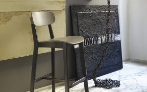barski-stol-cream_calligaris_showroom_2
