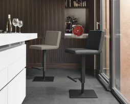 barski-stol-make-up_calligaris_showroom_1