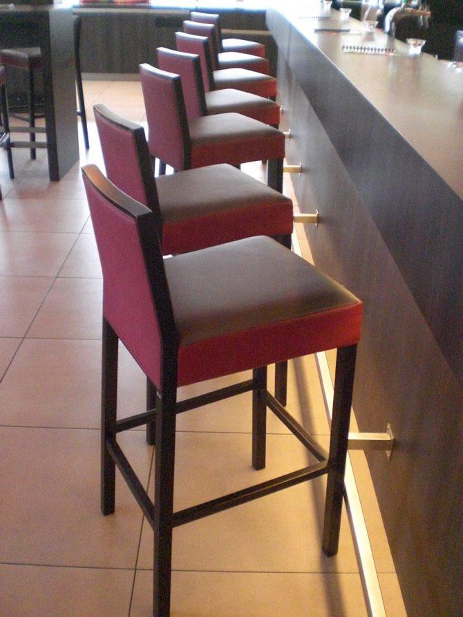 barski-stol-paris_thonet-design_showroom_1