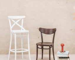 barski-stol-150_thonet-design_showroom_1