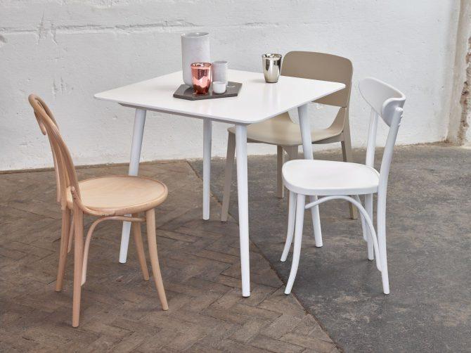 miza-ironica_thonet-design_showroom_1