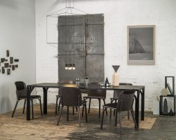 miza_bloom-719_thonet-design_showroom_2