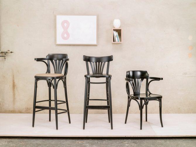 stol-24_thonet-design_showroom_1