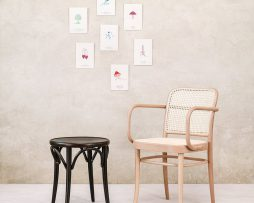 stol-60_thonet-design_showroom_2