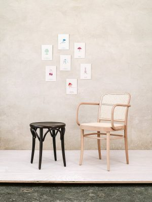 stol-811_thonet-design_showroom_1
