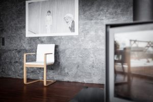 stol-mojo_thonet-design_showroom_oblazinjeni