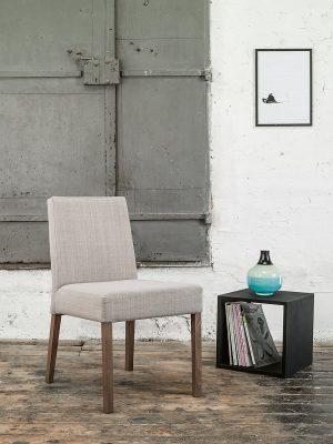 stol-nancy_thonet-design_showroom_2