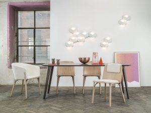 stol-split_thonet-design_showroom_2