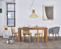 Miza 474_Thonet design_Showroom_1