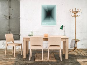 Miza 474_Thonet design_Showroom_3