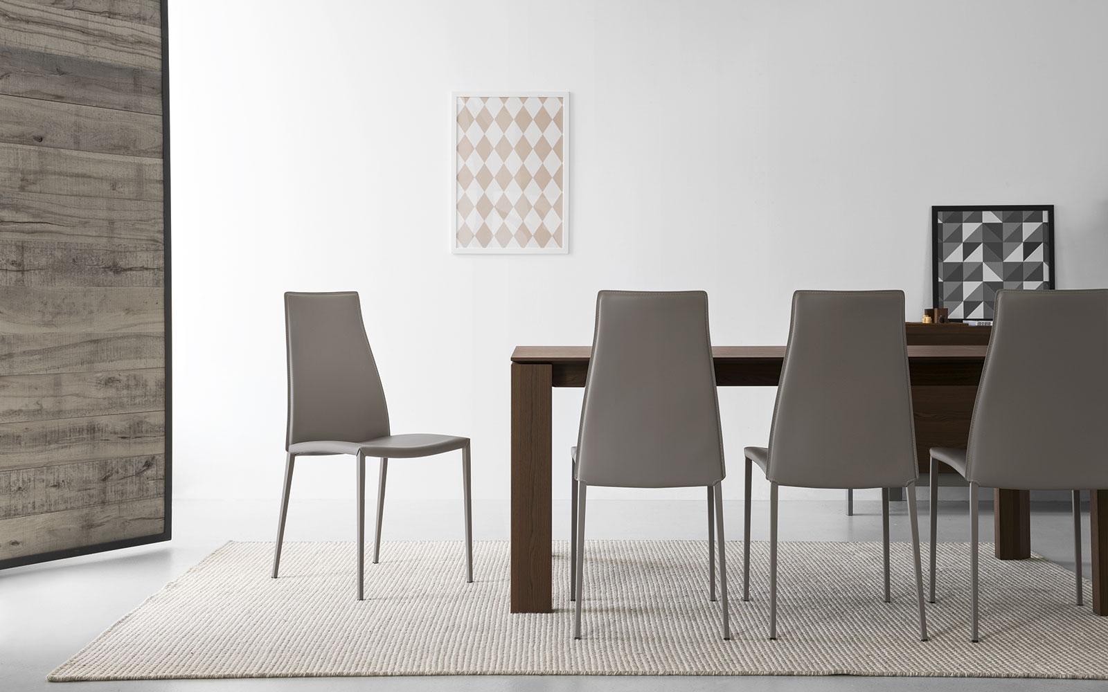 Jedilniški stoli